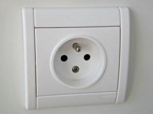 הוספת שקעי חשמל