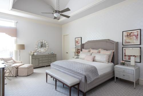 הדבקת טפט בחדר שינה